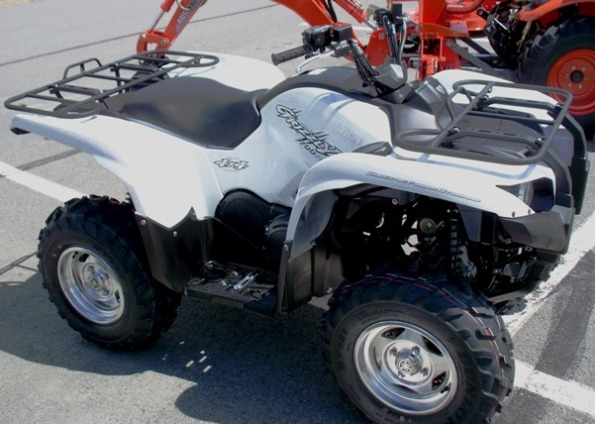 2010 Yamaha Grizzly ATV photo